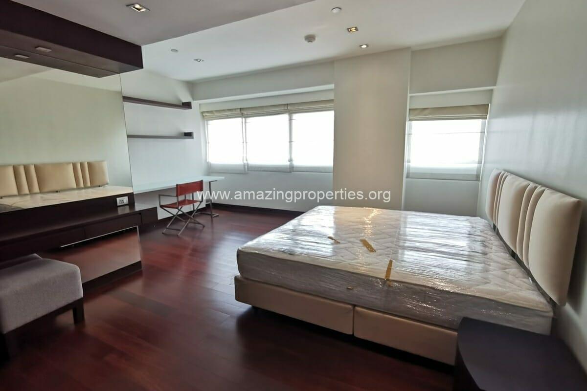 3 Bedroom condo Le Raffine Sukhumvit 31