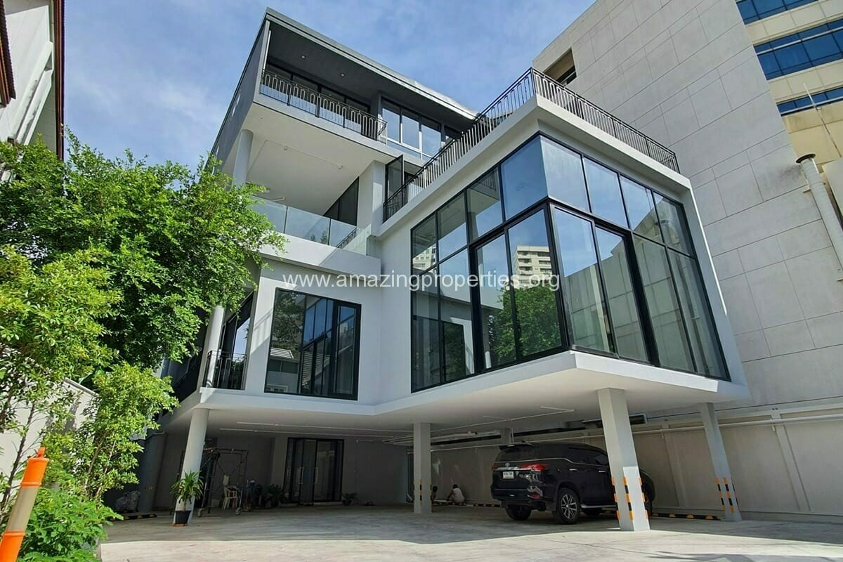 Standalone Building for Rent Phrom Phong