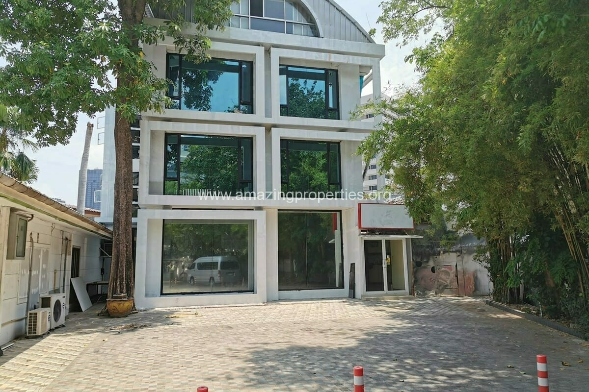 Commercial Building for Rent Phrom Phong
