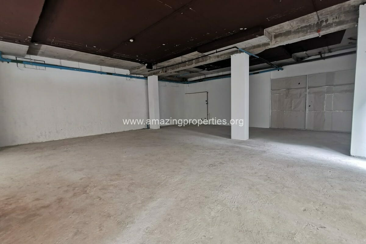 Commercial Space for rent Asoke