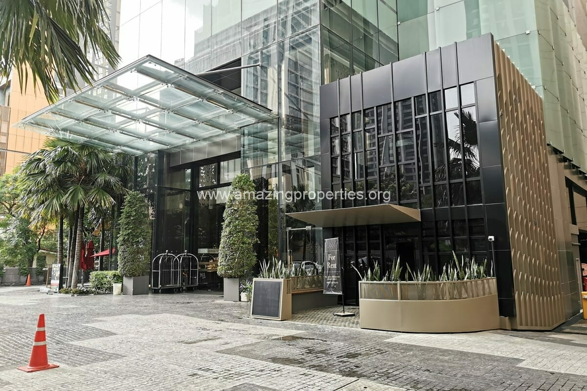 Duplex commercial space Phrom Phong